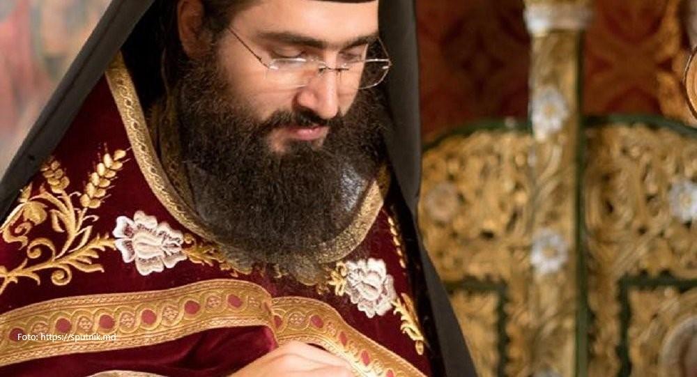 """Ce ne spune și ce nu ne spune preotul C. Sturzu despre """"BORleaks""""-ul egumenului Hrisostom Filipescu?"""