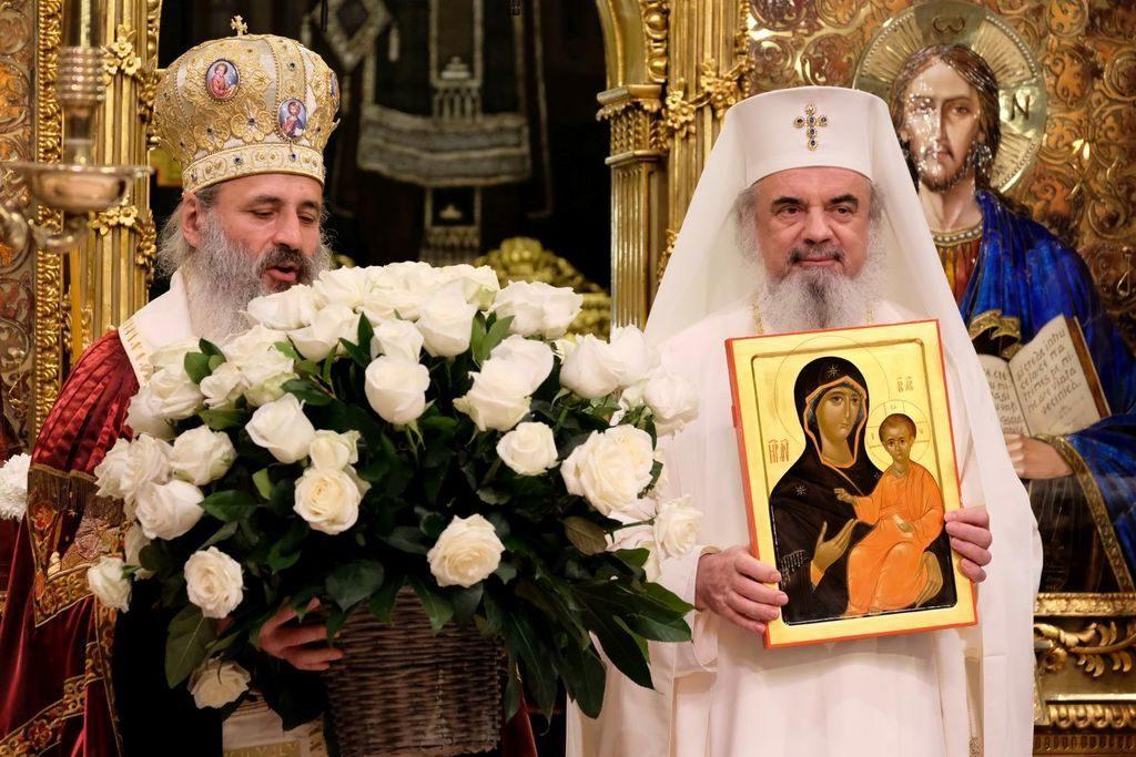 Mitropolitul Teofan, Patriarhul Daniel și jocul de-a polițistul bun și polițistul rău