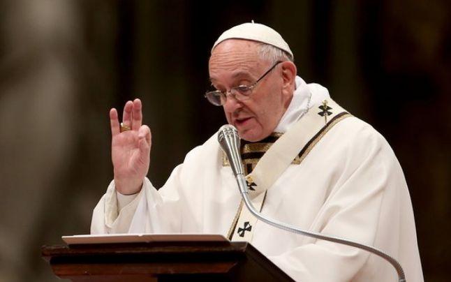 Episcopii ecumeniști români se ploconesc în faţa papei eretic Francisc