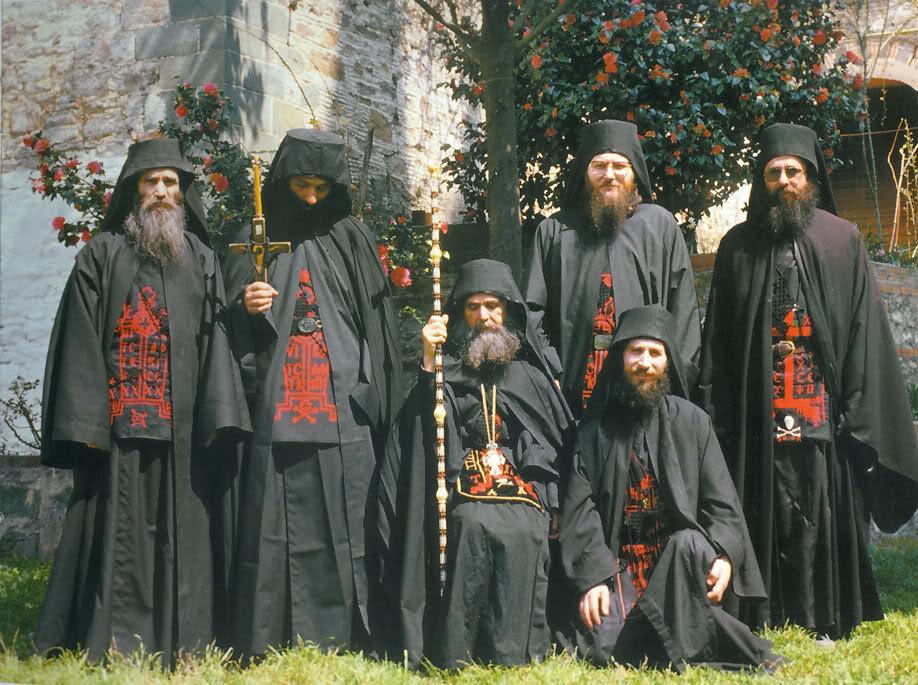 Situația reală din Mănăstirea Sfântul Antonie din Arizona și Parintele Efrem Filotheitul