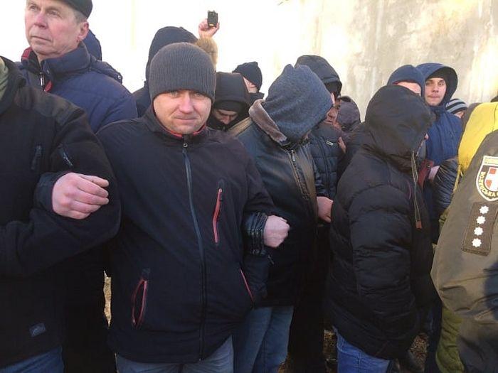 Două preotese aparținând Bisericii canonice au fost rănite de radicalii schismatici ucraineni