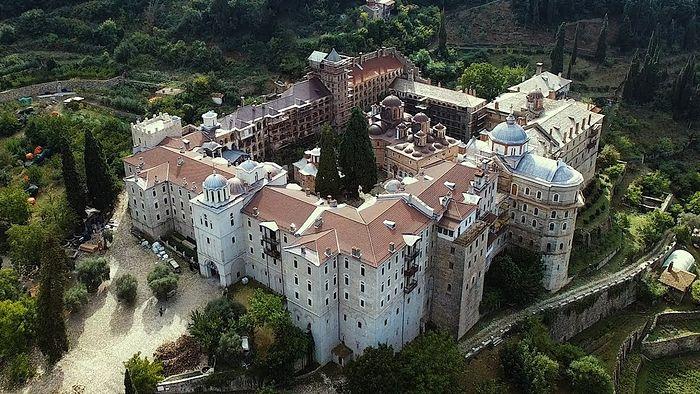 Mănăstirile Dochiaru și Zografu au închis porțile schismaticilor ucraineni