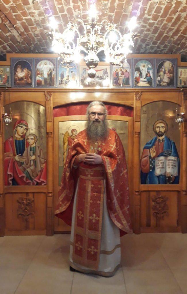 Părintele Cleopa Jurj din Arad, oprit de la slujire pentru întreruperea pomenirii ierarhului ecumenist