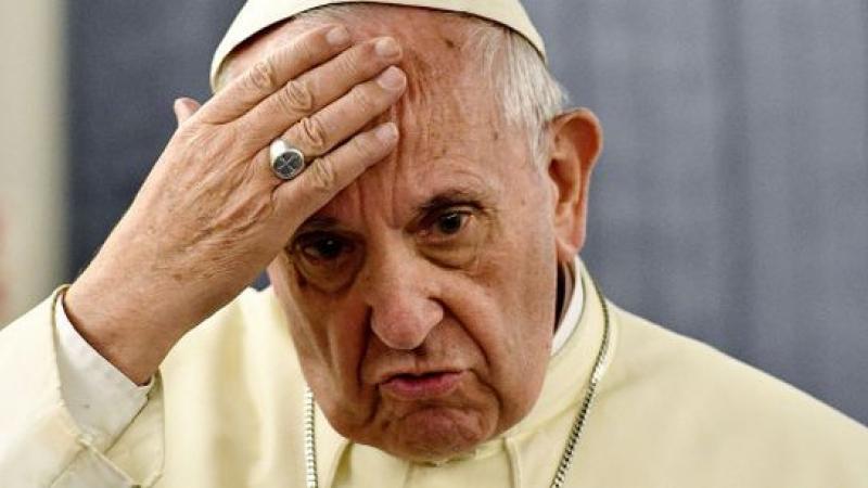 "Paradoxul papismului contemporan: papa Francisc, ""infailibilul"" eretic"