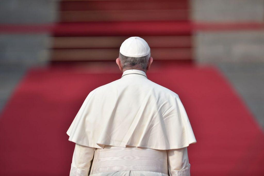 De ce spunem NU venirii papei în România?
