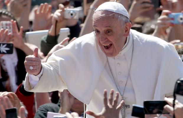 Vizita  Papei  în  România, încă un eveniment al propagandei catolice în România