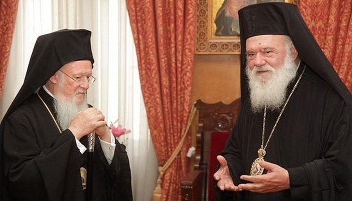 Mass-media: Încrederea în Biserica Ortodoxă Elenă s-a erodat din cauza recunoașterii BOaU