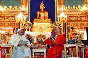 """Papa Francisc continuă """"misionarismul"""" pentru realizarea Religiei Unice Mondiale"""