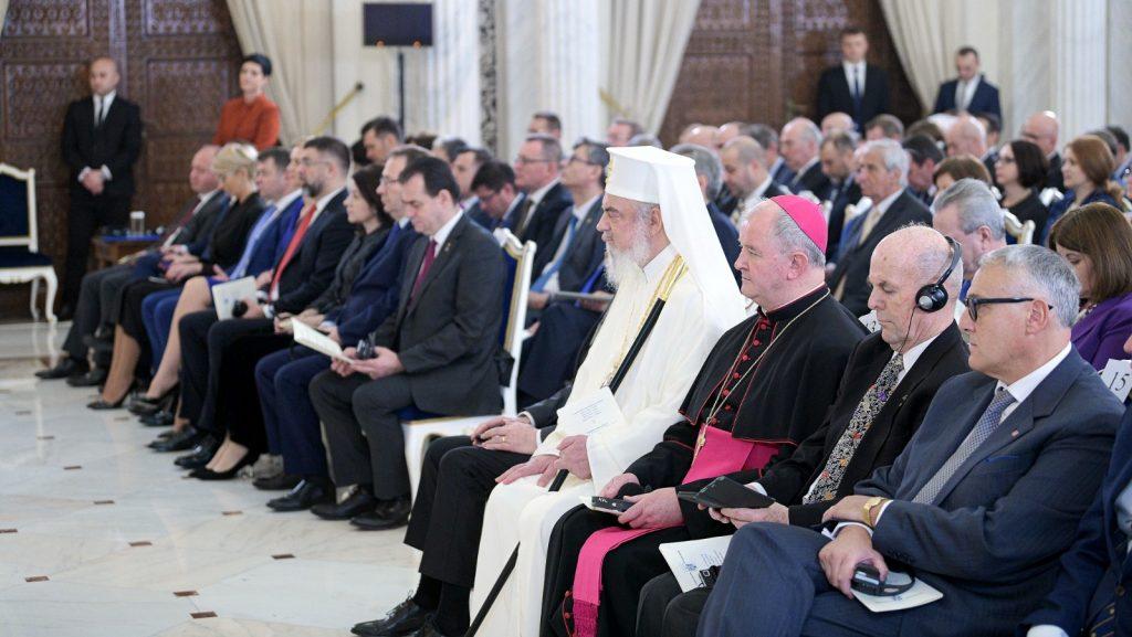 Patriarhul României participă la premierea președintelui cu premiul în onoarea autorului teoriei metisării popoarelor europene