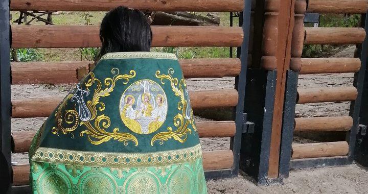 STUPEFIANT: Preotul ecumenist Bolohan nu a făcut nicio slujbă de hramul Sfinților Sila, Paisie și Natan la Orășeni