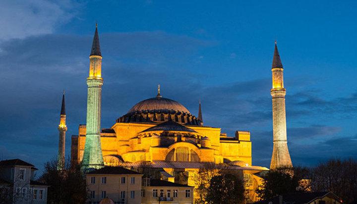 Prima rugăciune islamică la Sfânta Sofia va putea fi auzită pe 15 iulie. Pseudopatriarhul Bartolomeu tace!